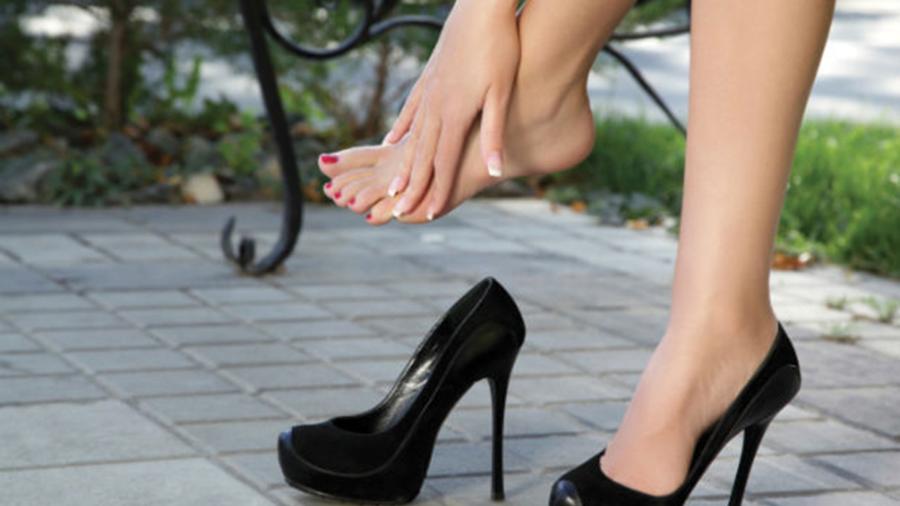 acheter populaire c9447 00d4f 8 astuces pour ne pas avoir mal aux pieds avec de nouveaux ...