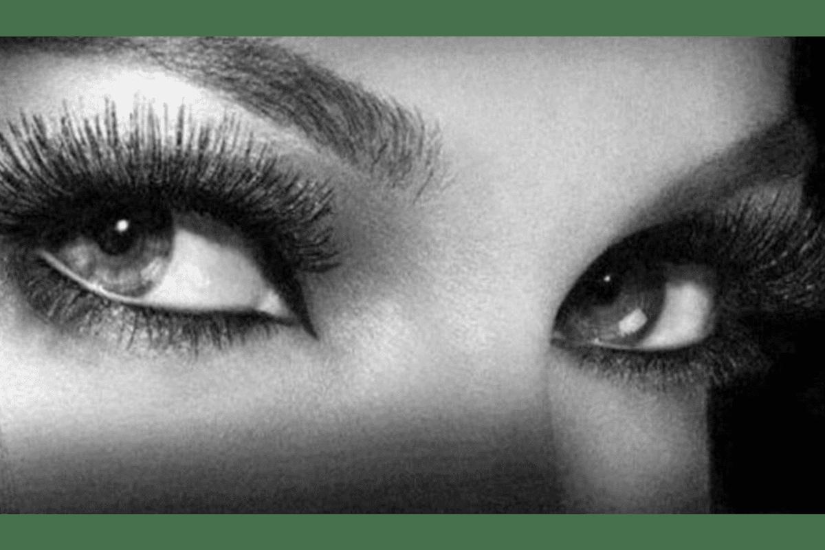 Read more about the article Séductrice d'un soir : 5 secrets pour accentuer votre regard !