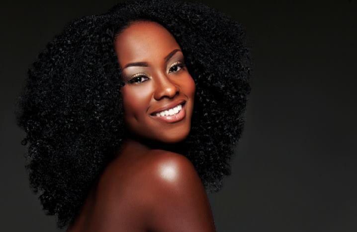 blackmodel-portrait-smile-afro-nappy