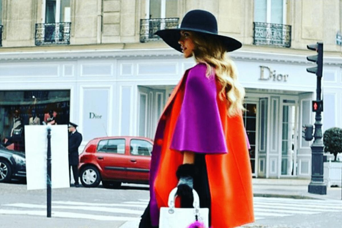 Read more about the article Belle et élégante, même avec un manteau !