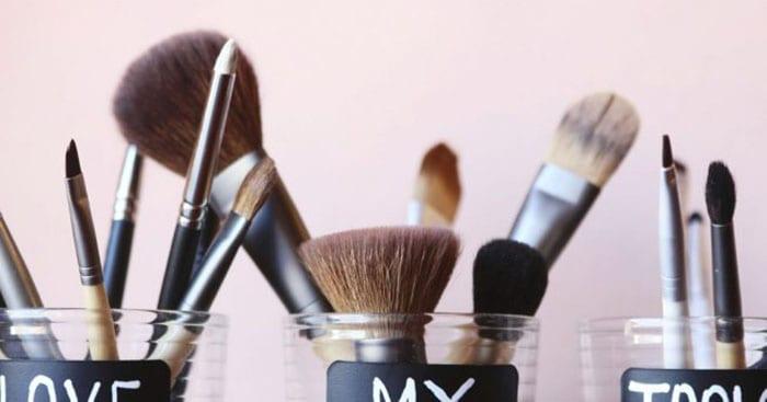 laver-ses-pinceaux-maquillage-1