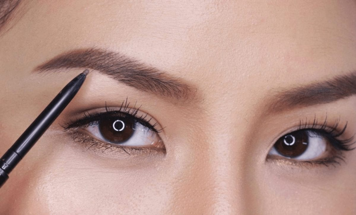 4 étapes pour avoir des sourcils parfaits