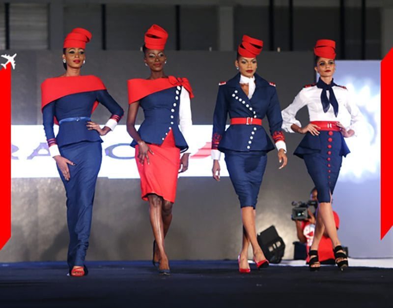 Air France : 4 uniformes SUBLIMES d'hôtesses de l'air dessinés par Gilles Touré