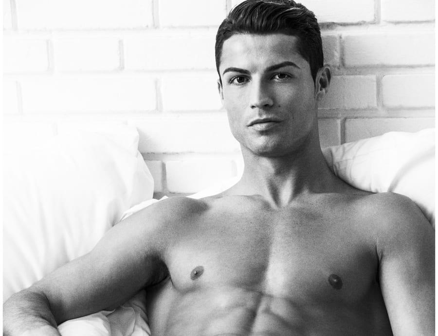 Cristiano-Ronaldo-Underwear-Photo-Shoot-2015-Campaign-001