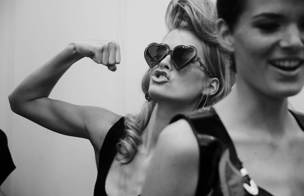 8 Façons D être Une Femme Forte Et Indépendante