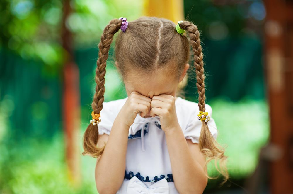 petite-fille-pleure