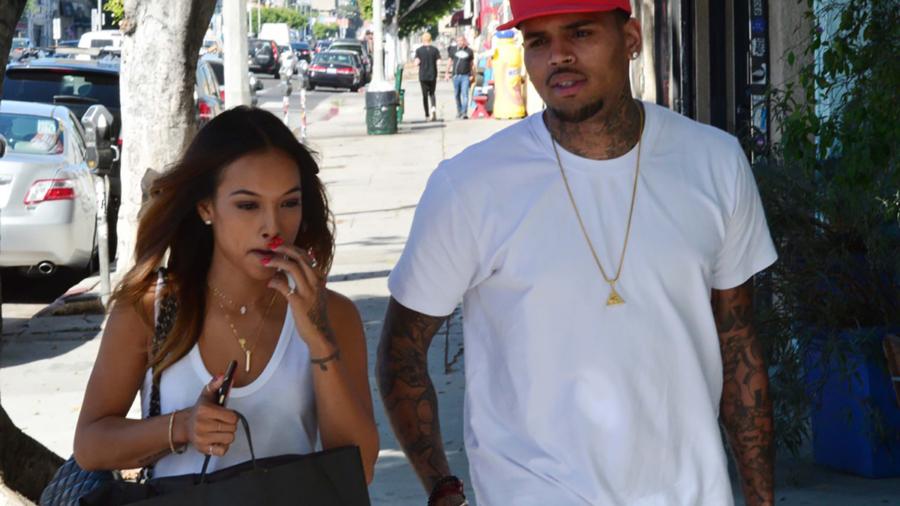 Chris-Brown-et-Karrueche-Tran-dans-les-rues-de-Los-Angeles-le-28-octobre-2014_exact1024x768_l