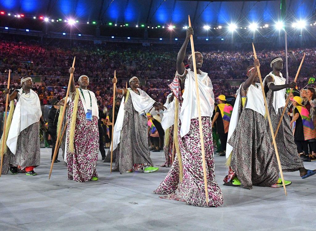 rs_1024x747-160805185052-634-rio-olympics-opening-ceremony-fashion-burundi-mh-080516