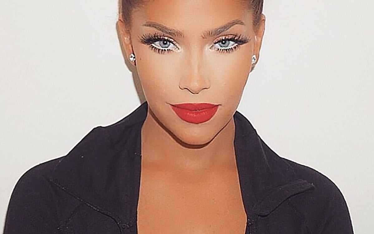 Read more about the article TUTO : Les 9 étapes pour un make-up qui ne coule pas