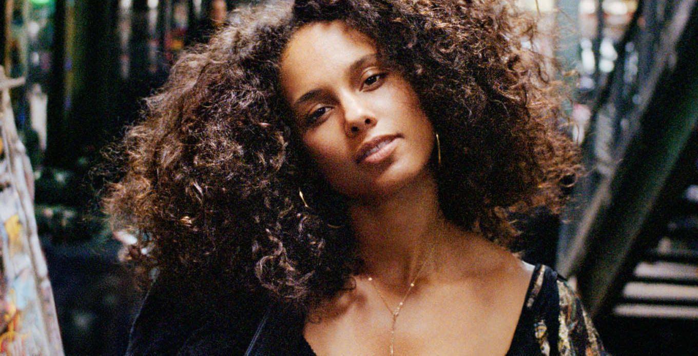 Read more about the article 3 conseils de la maquilleuse d'Alicia Keys pour avoir un teint parfait AU NATUREL !