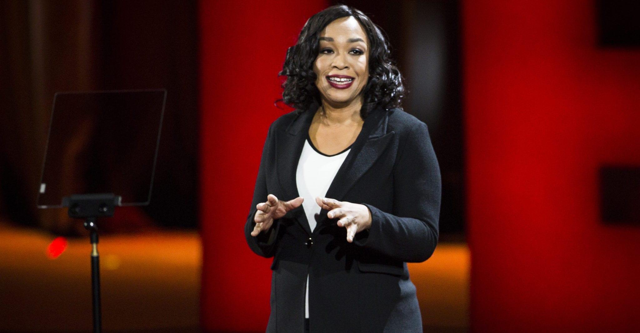 Read more about the article 8 incroyables TED talks de femmes noires puissantes à regarder absolument !