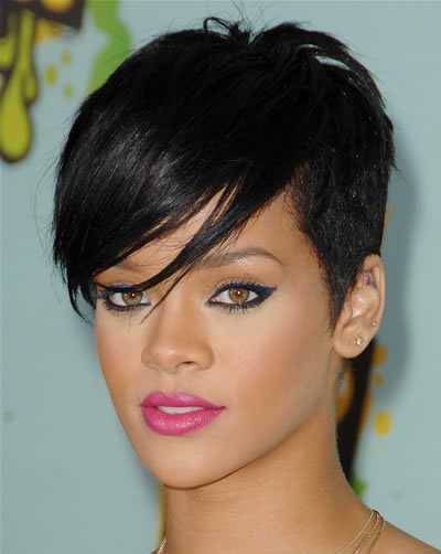 rihanna-black-hair-in-chic-trendy-short-cropped-hairstyle