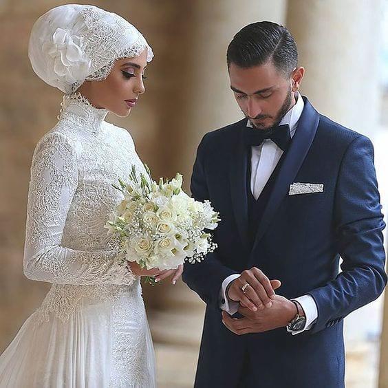 737ccae4a9a 50 SUBLIMES robes de mariée originales et élégantes pour se dire oui. 12  novembre 2016. by femmedinfluence. with no comment. Non classé · robes-de- mariee- ...
