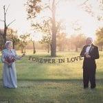À 90 ans ils exaucent enfin leur rêve : poser pour leur album photo de mariage