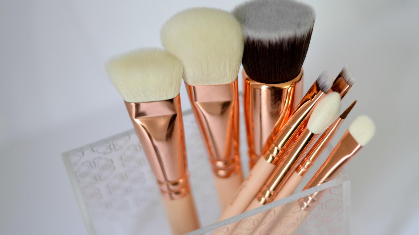 zoeva rose gold makeup brushes 1