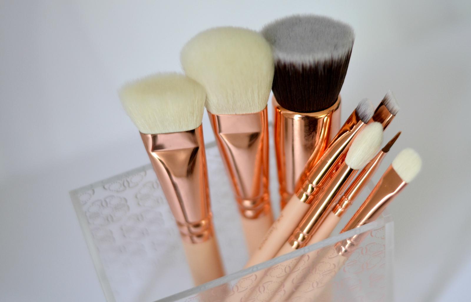 Rose gold makeup brushes zoeva