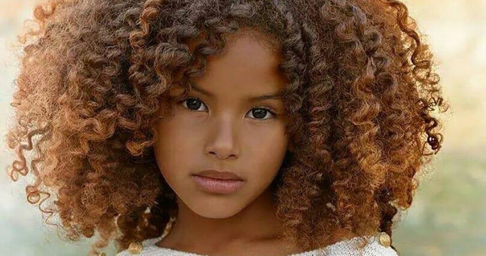 10 fa ons de prendre soin des cheveux boucl s de ton enfant m tis - Comment avoir les cheveux boucles homme noir ...