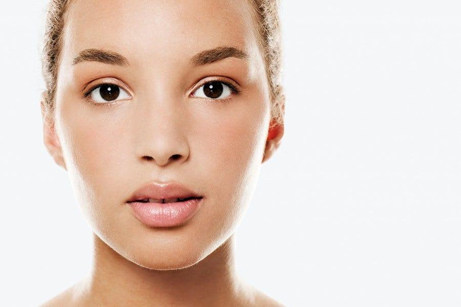Read more about the article Les meilleurs produits pour te démaquiller PARFAITEMENT selon ton type de peau