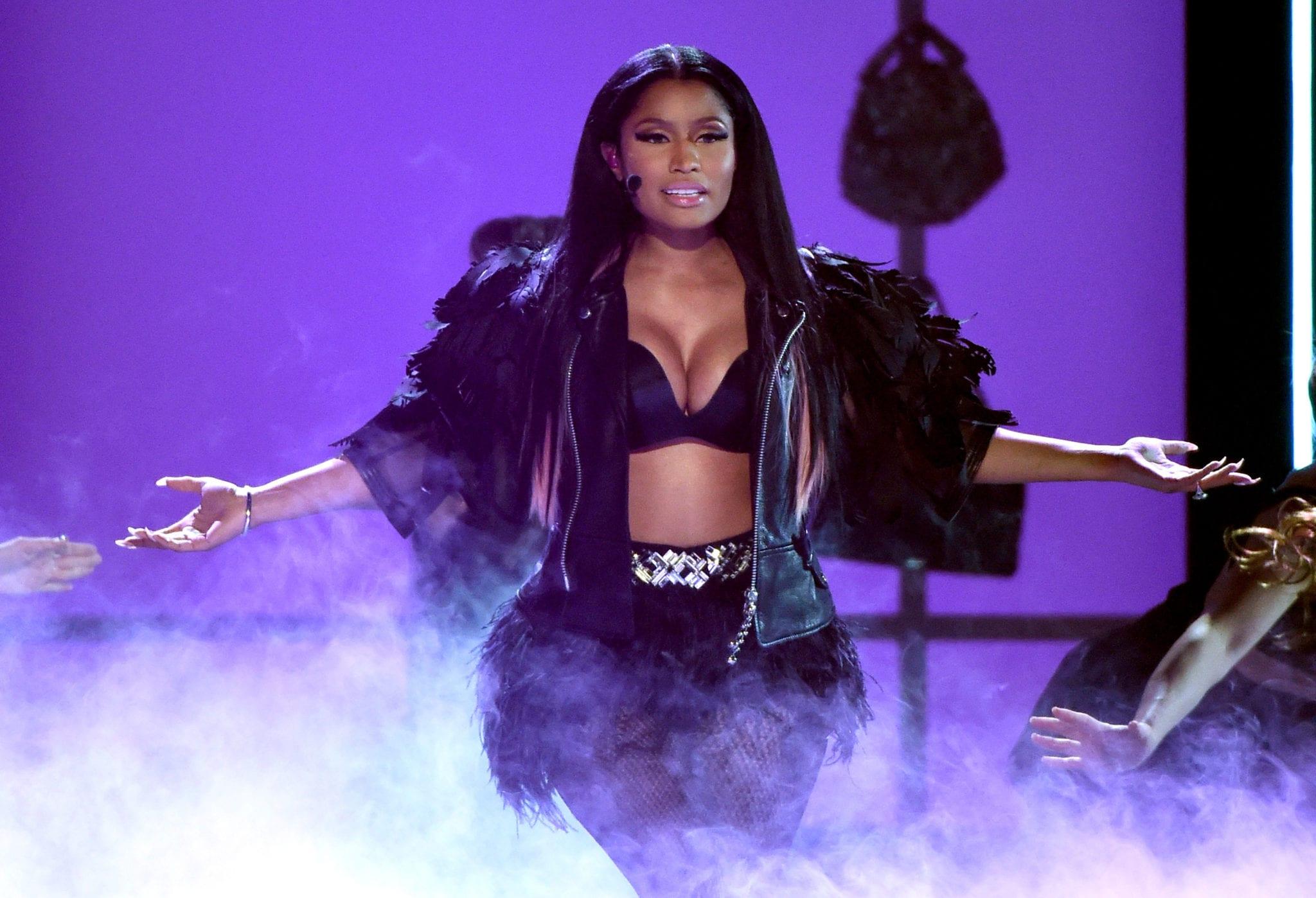 Nicki Minaj gros cul chatte Hot Sex Vadim