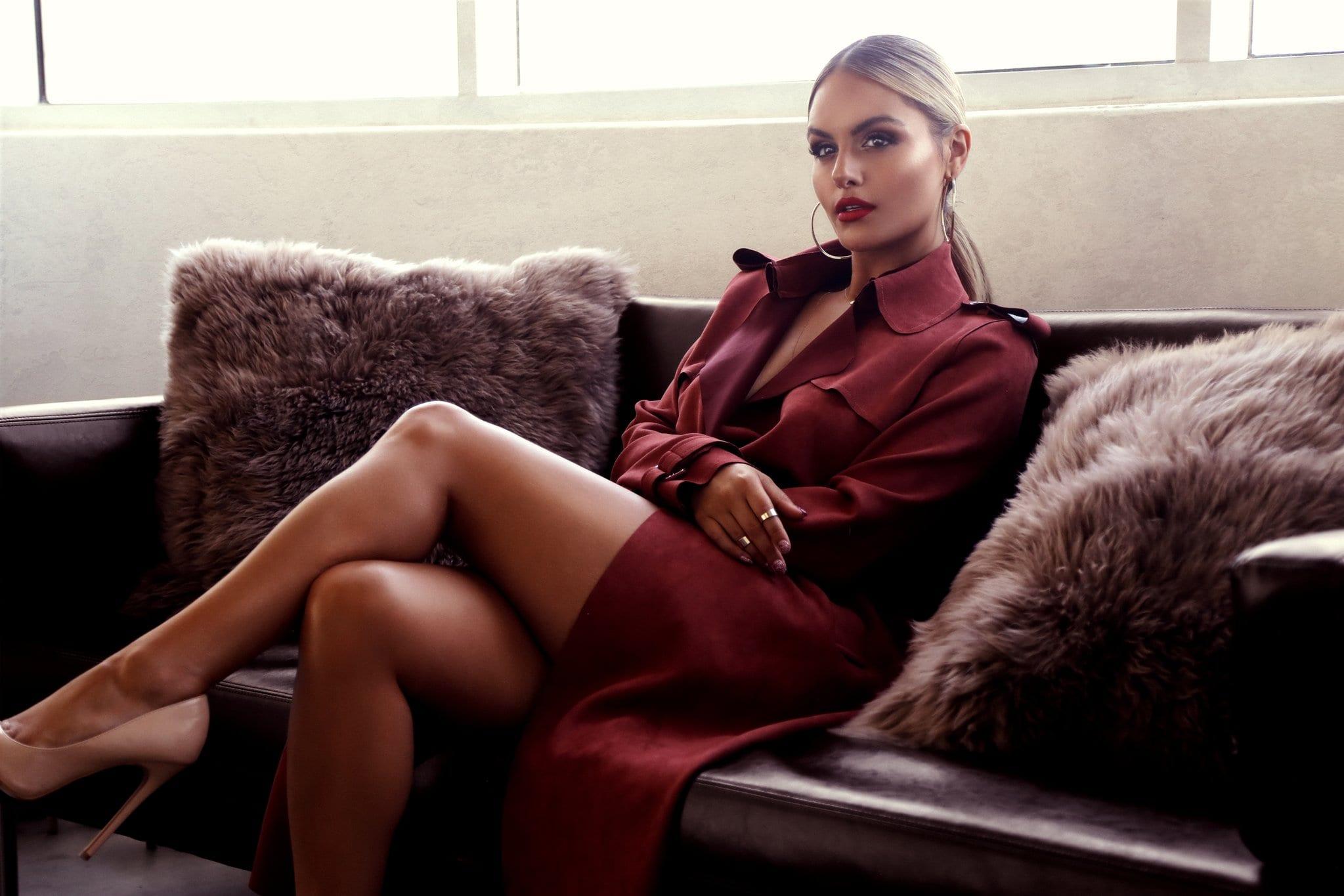Le Style Glamour — Les 5 Qualités de Cette Femme à la Fois Sexy et Élégante