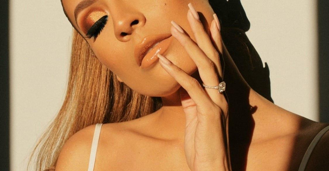 Ce que Tes Mains Révèlent de Toi – Les 8 Secrets Pour des Mains Féminines et Délicates