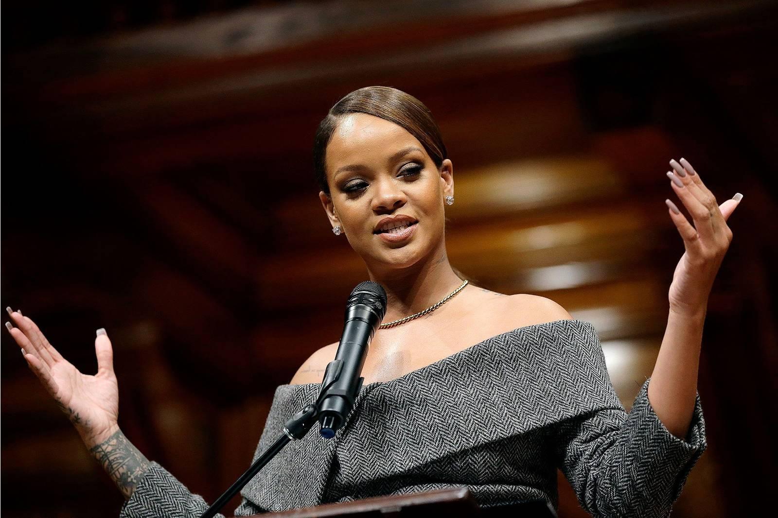 Comment Être Une Femme Éloquente – Les 5 Piliers Pour Maîtriser Le Charisme Verbal
